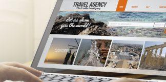 usuario utilizando agencia de viaje online