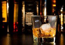 Vaso de whisky de 1870 se vende por 8.800 euros.