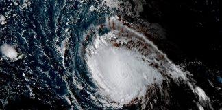 El sector turístico está tomando medidas ante la llegada de este huracán en nivel cinco.