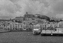 Vistas del casco antiguo de Ibiza.