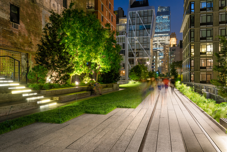 the high line elevated park in new york a trend setting urban fashion lookout pro. Black Bedroom Furniture Sets. Home Design Ideas