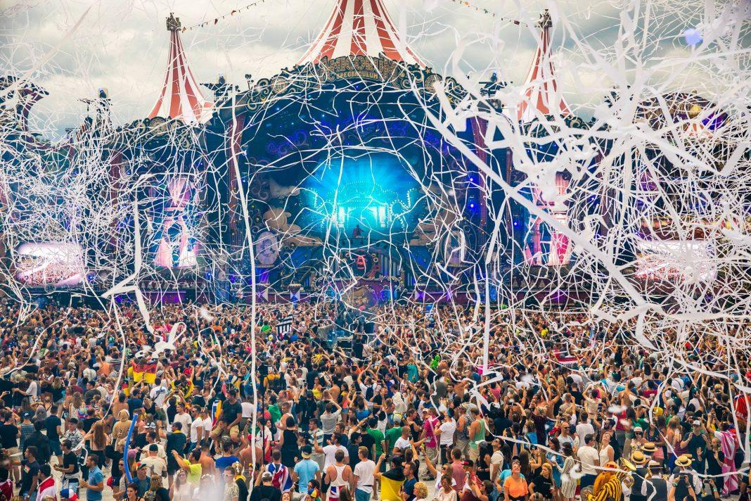 Tomorrowland-2017-B1-1068×712