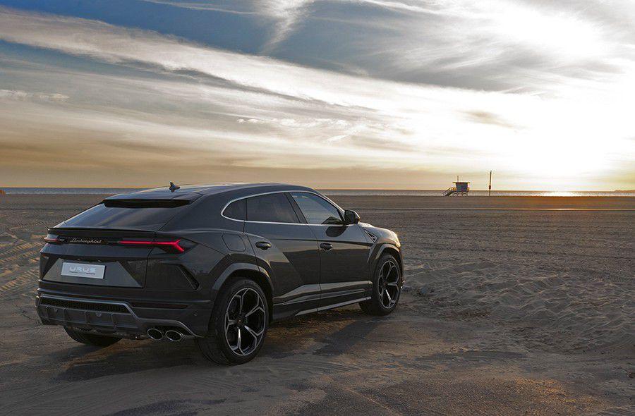 Lamborghini-Urus-2018-23