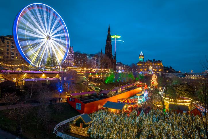 mercado-navidad-edinburgh-christmas-market-escocia