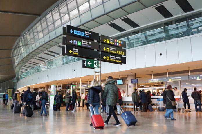 El gestor de navegación aérea calcula que el descenso del 12 % en las tasas de ruta para 2019 va a suponer un ahorro para las compañías aéreas de 100 millones de euros.