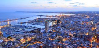 Vista de la ciudad de Alicante al atardecer