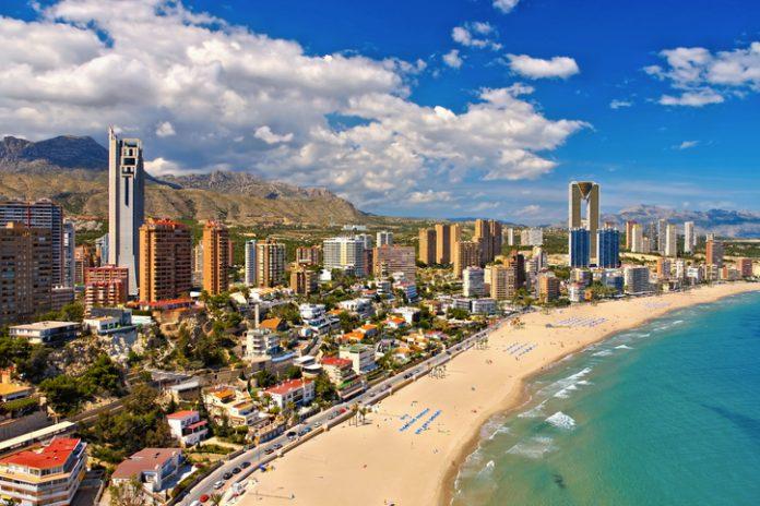 El pasado diciembre, el 50,1 por ciento de los turistas son españoles, mientras que el 49,9 restante son internacionales, aunque la mayoría (el 41,7) son británicos.