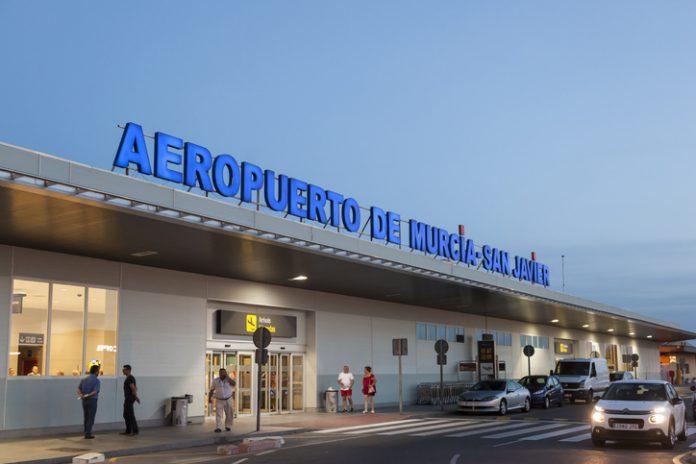 Tras rescindir el contrato con Aeromur en 2015 y convocar otro, Aena resultó adjudicataria en diciembre de 2017