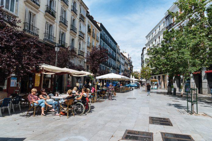 Por regiones, Cataluña se mantuvo como principal destino en el acumulado de los 11 primeros meses de 2018