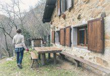 Por tipo de alojamiento, el 58 % de las pernoctaciones se llevaron a cabo en apartamentos turísticos, el 31 % en cámpines, el 9 % en alojamientos de turismo rural y el 2 % restante en albergues.