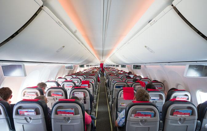 Tanto los pilotos como los tripulantes de cabina de Norwegian han amenazado con secundar una huelga ante el cierre de las bases en España de la aerolínea en Palma, Gran Canaria y Tenerife.