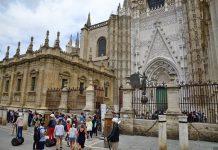 Los turistas extranjeros que visitaron España en 2018 gastaron el récord de 89.856 millones de euros