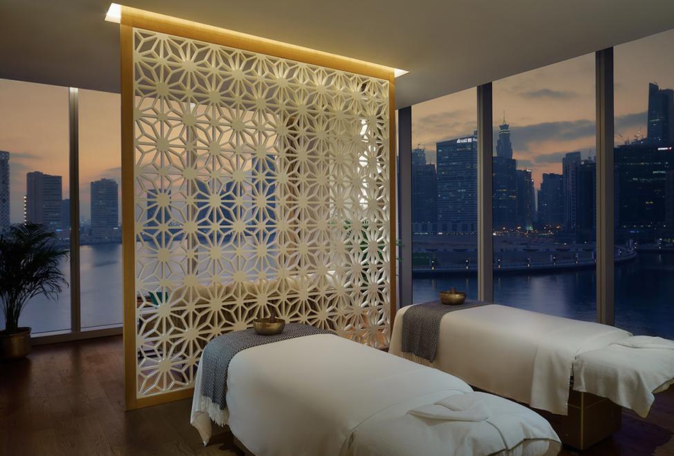 Six Senses Spa, Renaissance Downtown Hotel