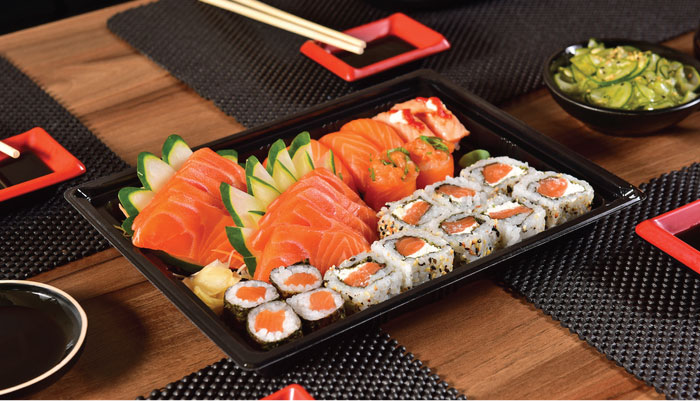 platos-tipicos-de-japon-sushi-sashimi